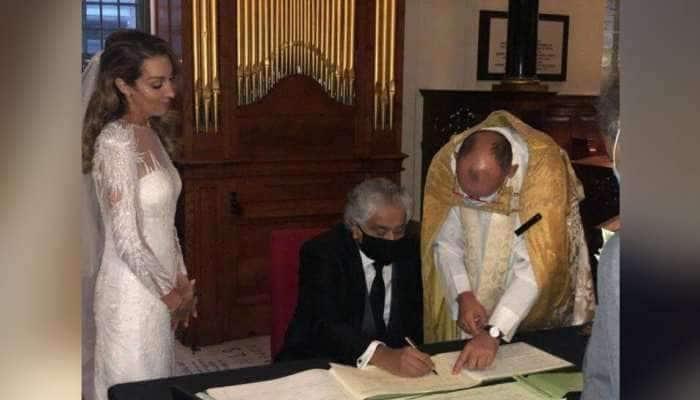 PICS: 65 વર્ષના જાણીતા વકીલ હરીશ સાલ્વેએ બ્રિટિશ યુવતી સાથે કર્યા બીજા લગ્ન