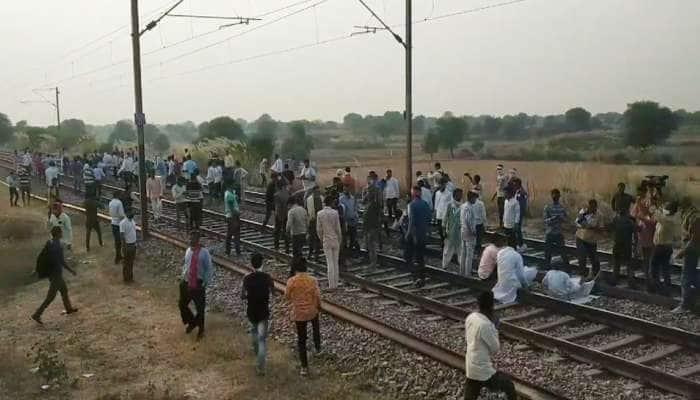રાજસ્થાન: ગુર્જરોએ દિલ્હી-મુંબઈ રેલવે ટ્રેક કર્યો જામ, અલવરના અનેક વિસ્તારોમાં ઈન્ટરનેટ બંધ