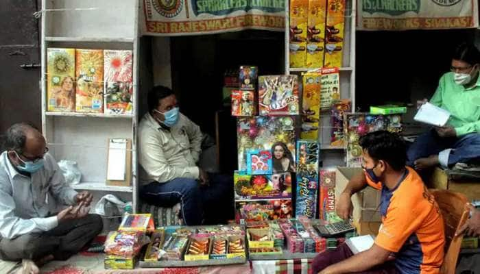 NGT નો આદેશ- દિલ્હી-NCRમાં 30 નવેમ્બર સુધી ફટાકડા પર સંપૂર્ણ પ્રતિબંધ