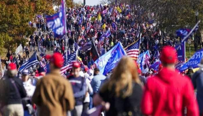 અમેરિકી ચૂંટણીમાં હાર બાદ ડોનાલ્ડ ટ્રમ્પનું શક્તિ પ્રદર્શન, સમર્થકો-વિરોધીઓમાં હિંસક ઘર્ષણ