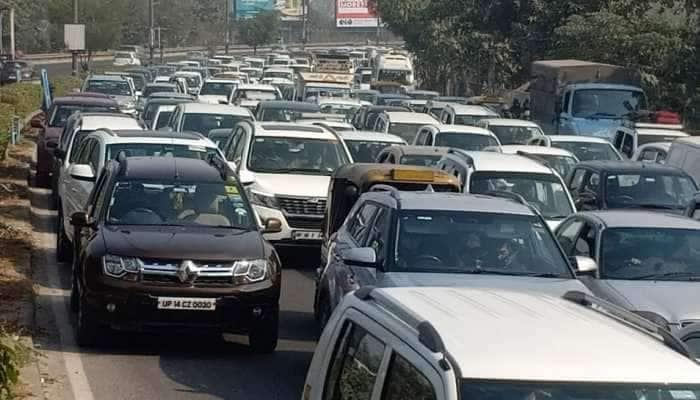 Farmers Protest: DND પર ભારે ટ્રાફિકજામ, Delhi-Noida અવરજવરમાં મુશ્કેલી; જુઓ PHOTOS