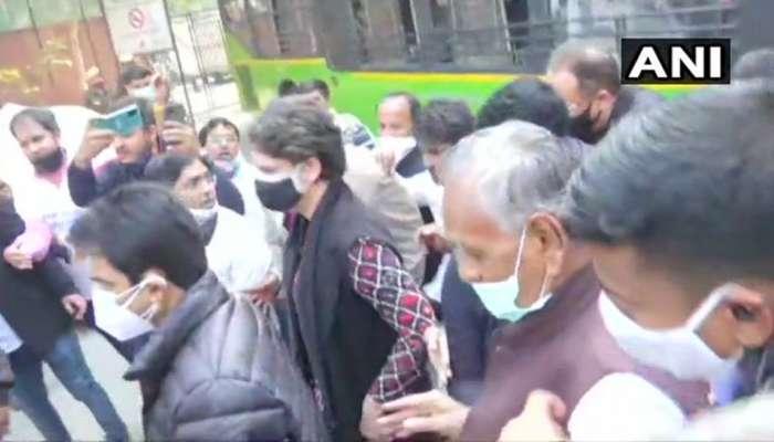 Priyanka Gandhi in Custody: પ્રિયંકા ગાંધીની અટકાયત, રાહુલ ગાંધી બોલ્યા- 'દેશમાં લોકશાહી નથી'