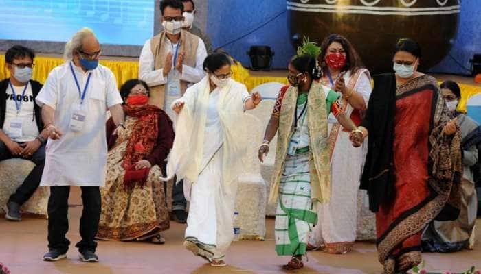 CM મમતા બેનરજીએ પહેલા કર્યો ડાન્સ, પછી કહ્યું- 'બંગાળને ગુજરાતમાં ફેરવી શકાશે નહીં'