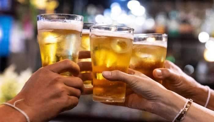 લો બોલો....દારૂ પીવા માટેની વયમર્યાદામાં હવે થશે ઘટાડો! ખુલ્લેઆમ દારૂ વેચવાની તૈયારી?