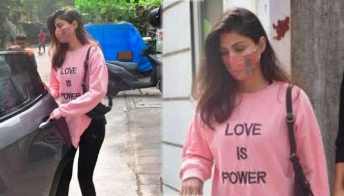 જેલમાંથી છૂટ્યા બાદ પહેલીવાર જોવા મળી Rhea Chakraborty, શોધી રહી છે ઘર- SEE PHOTOS