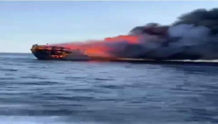 કચ્છનું જહાજ ઓમાનના દરિયામાં સળગ્યું, જીવ બચાવવા ક્રુ મેમ્બર્સ સમુદ્રમાં કૂદી પડ્યા
