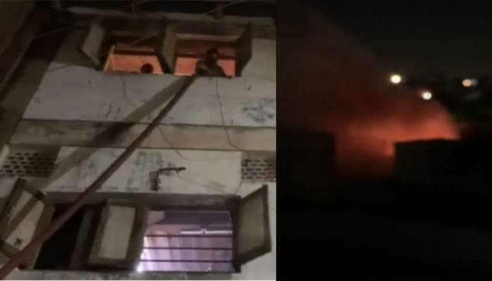 વડોદરા : ચાઈનીઝ તુક્કલને કારણે મંગળ બજારના કાપડના ગોડાઉનમાં લાગી આગ