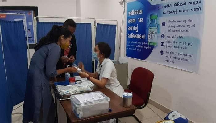 કોરોનાને હરાવીને રહીશું, ગણતરીની મિનિટોમાં રસીકરણ શરૂ થશે, ગાંધીનગર સિવિલમાં સેલ્ફી ઝોન બનાવાયો
