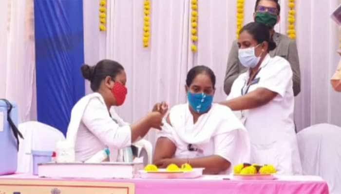 vaccine side effect : છોટાઉદેપુરમાં 2 આશા વર્કર બહેનોની તબિયત લથડી