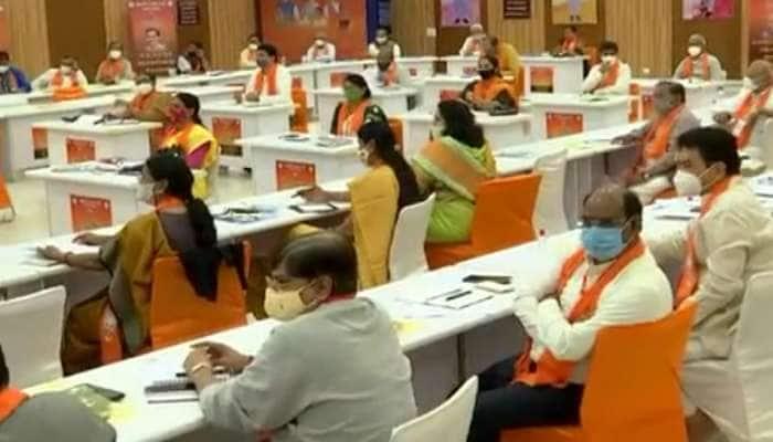 અમદાવાદ ભાજપ સંગઠનની માથાપચ્ચી વધી, 192 બેઠકો માટે 2037 દાવેદારોએ ટિકિટ માંગી