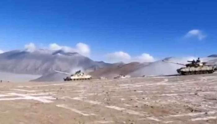 India-China Standoff: ભારતના જીતની તસવીરો, જુઓ પેંગોંગ સરોવરના દક્ષિણ કિનારાથી પાછળ હટી રહ્યાં છે ચીનના ટેન્ક