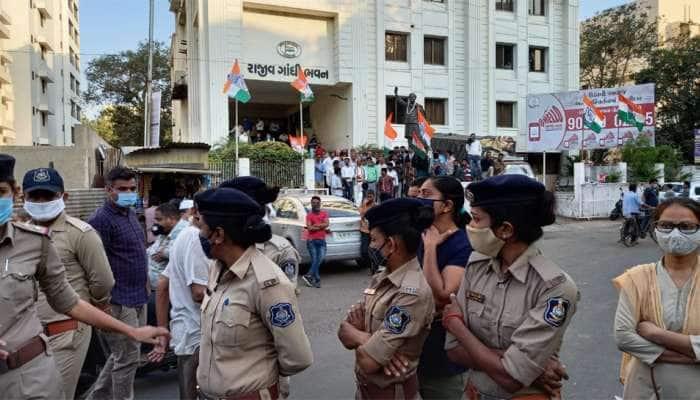 રાહુલ ગાંધીના વિવાદિત નિવેદન બાદ સમગ્ર ગુજરાતમાં ભડકો, ભાજપે કોંગ્રેસ કાર્યાલય ઘેરીને વિરોધ કર્યો