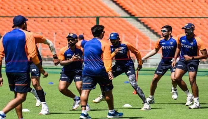 IND vs ENG: મોટેરા સ્ટેડિયમમાં ઈંગ્લેન્ડ સામે ટક્કર, ભારતીય ખેલાડીઓ કરી રહ્યાં છે તૈયારી