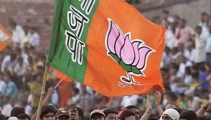 Surat: કોંગ્રેસ શૂન્યમાં સમાઇ, આપની 27 બેઠકો સાથે એન્ટ્રી, ભાજપને મળી 93 બેઠકો