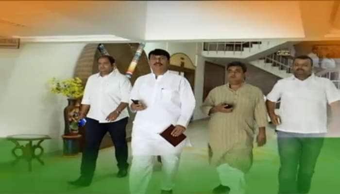 ગુજરાતમાં કોંગ્રેસનું રમણભમણ થઈ ગયું, 175 માંથી 55 બેઠકો પર સમેટાઈ