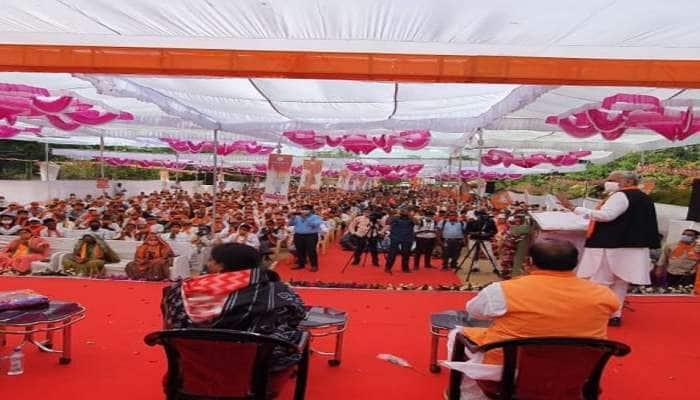 Election Rally:  કોંગ્રેસને મૂળમાંથી ઉખેડી ફેંકો, છોટાઉદેપુરની ચૂંટણી સભામાં બોલ્યા રૂપાલા