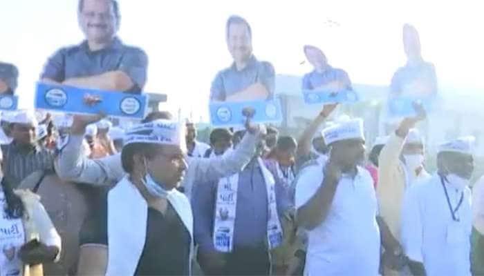Election માં ભવ્ય સફળતા બાદ Kejriwal પહોંચ્યા સુરત, કાર્યકર્તાઓએ કર્યું સ્વાગત