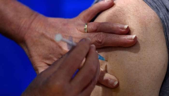 Vadodara: કોરોના રસીકરણનો ત્રીજો તબક્કો શરૂ, લોકોએ કહ્યું- PM મોદીએ રસી લેતા લોકોમાં વિશ્વાસ વધશે