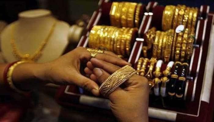 Gold-Silver Price: સોનાના ભાવમાં ઘટાડો, ચાંદીમાં તેજી, જાણો આજની કિંમત