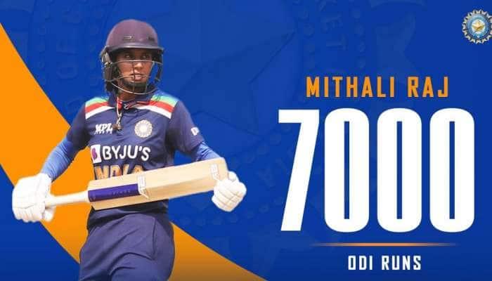 Mithali Raj એ રચ્યો ઈતિહાસ, વનડેમાં 7000 રન બનાવનારી પ્રથમ મહિલા ક્રિકેટર બની