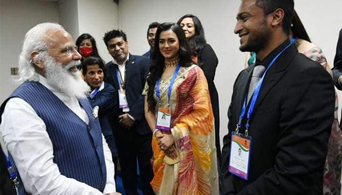 PM મોદી બાંગ્લાદેશમાં વોહરા સમુદાયના લોકોને મળ્યા, આ ક્રિકેટર સહિત અનેક હસ્તી સાથે પણ કરી મુલાકાત