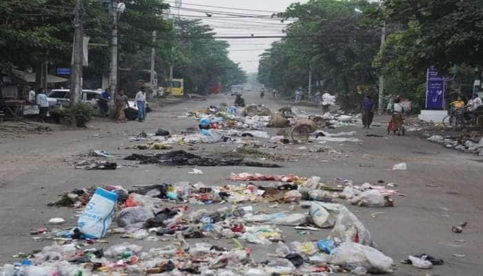 Myanmar Protest: મ્યાનમારમાં સેનાએ 500થી વધુ લોકોને મોતને ઘાટ ઉતાર્યા, રસ્તા પર કચરો ફેંકી શરૂ કર્યો વિરોધ