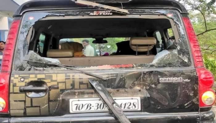 West Bengal: BJP ઉમેદવાર અશોક ડિંડાની ગાડી પર પથ્થરમારો, પીઠમાં થઈ ઈજા, TMC પર આરોપ