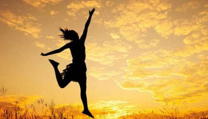 Daily Horoscope 1 એપ્રિલ: મેષ, કર્ક અને તુલા રાશિના જાતકો માટે આજનો દિવસ શુભ, ભાગ્યના જોરે જોરદાર સફળતા સાંપડશે
