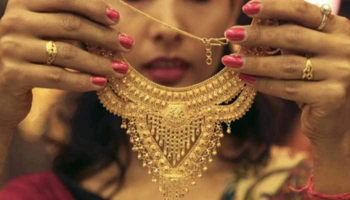 Gold Price Today: સોનામાં ભારે ઘટાડો, સોની બજારમાં ભાવ 450 રૂપિયા ઘટ્યા, ચાંદી પણ તૂટી