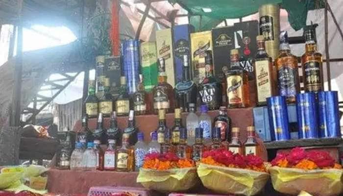 ઉજ્જૈનના કાલભૈરવને જ નહી, ગુજરાતના 'ચોકીદાર'ને પણ ચડાવવામાં આવે છે દારૂ, થાય છે પૂજા