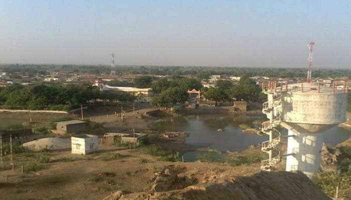 ગુજરાતના આ ગામમાં 20 દિવસમાં કોરોનાથી 90 મોત, હૃદય કંપી ઉઠે તેવી સ્થિતિ