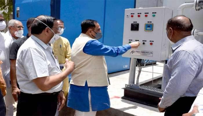 CM રૂપાણીએ પાલનપુર સિવિલ હોસ્પિટલમાં ઓક્સિજન પ્લાન્ટનું ઉદ્દઘાટન કર્યું