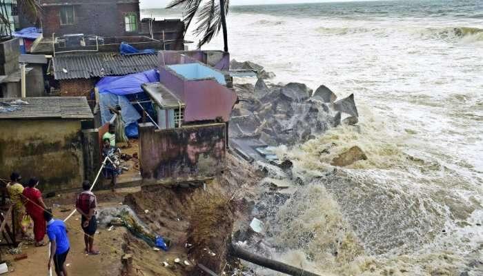 ગુજરાત તરફ આગળ વધી રહેલા વિનાશકારી વાવાઝોડાએ અન્ય રાજ્યોમાં કેવી તબાહી મચાવી છે, જુઓ PHOTOS