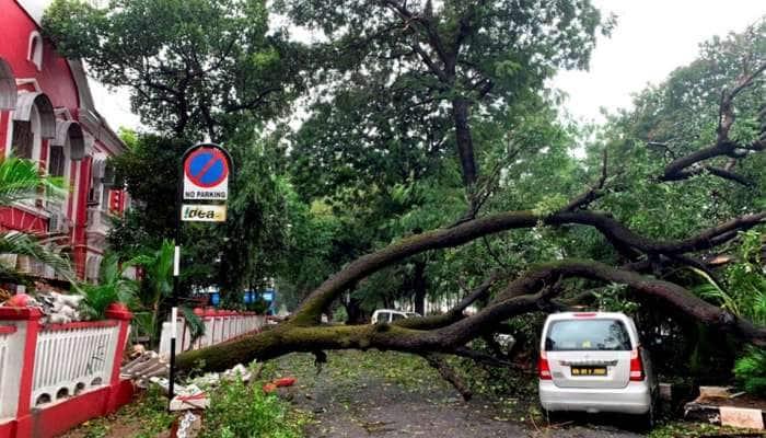Cyclone Tauktae Live Updates: મુંબઈના અનેક વિસ્તારોમાં પાણી ભરાવવાનું જોખમ, ગોવામાં તબાહી, ગુજરાતમાં હાઈ અલર્ટ
