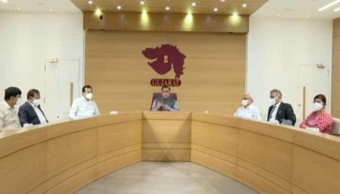વાવાઝોડાએ સતત 28 કલાક સુધી ગુજરાતના અલગ-અલગ વિસ્તારોને ધમરોળ્યા: CM રૂપાણી