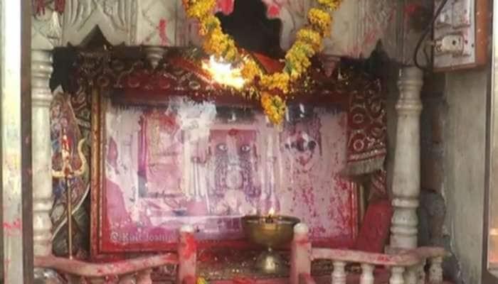 પાવાગઢ શક્તિપીઠને લાગ્યું કોરોનાનું ગ્રહણ, પ્રવેશદ્વારથી દર્શનાર્થીઓને વિલા મોઢે પરત ફરવું પડ્યું