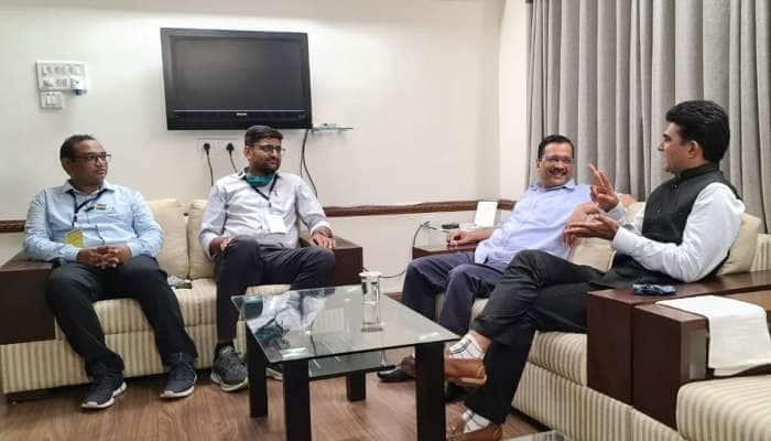 Arvind Kejriwal ગુજરાતની મુલાકાતે, જાણીતા પત્રકાર ઇસુદાન ગઢવી આપમાં જોડાશે