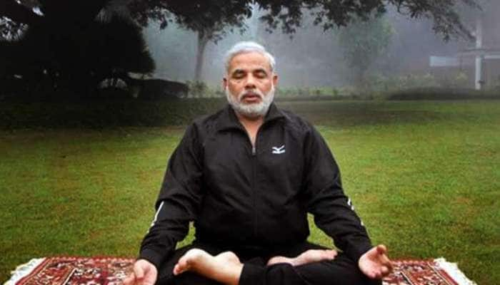 PM મોદીથી લઈ રાષ્ટ્રપતિ કોવિંદ સુધીના નેતાઓ ફિટ રહેવા કરે છે યોગ, જુઓ રાહુલ ગાંધીનો અનોખો અંદાજ