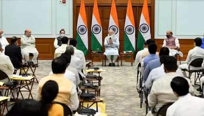 PM મોદીના મંત્રીમંડળમાં ગુજરાતનો દબદબો, ત્રણ નવા મંત્રી સામેલ તો બેને પ્રમોશન