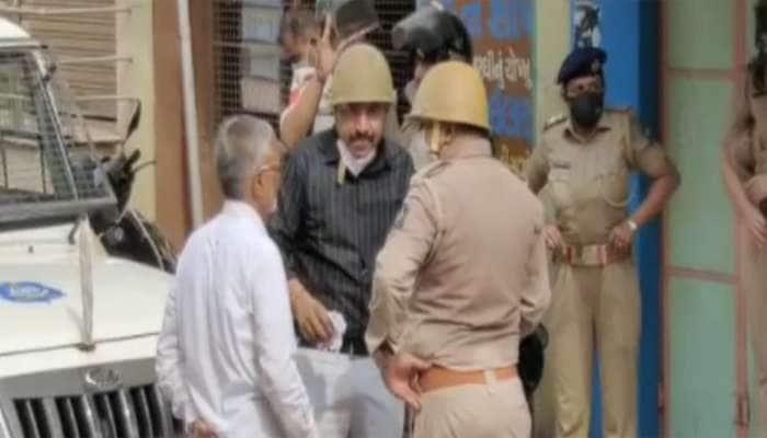 PANCHMAHALમાં ગૌમાંસ મુદ્દે બે જુથ સામસામે, પોલીસ પર પણ હિચકારો હૂમલો, ભાજપ નેતાએ કહ્યું કોઇને છોડવામાં નહી આવે