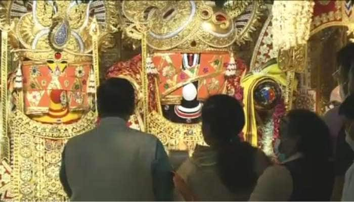 રથયાત્રાની પૂર્વસંધ્યાએ CM,Dy.CM જગન્નાથજી મંદિરની મુલાકાત લઇ દર્શન આરતી કર્યા