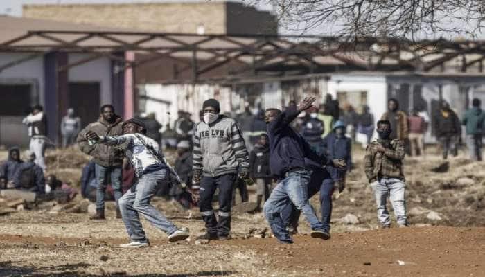 South Africa Violence: આ દેશમાં હથિયાર ઉઠાવવા માટે કેમ મજબૂર બન્યા ભારતીય મૂળના લોકો? અત્યાર સુધીમાં 117 લોકોના મોત
