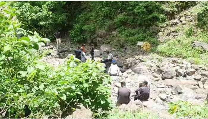 પાવાગઢના જંગલમાં મળી લાશ, પોસ્ટમોર્ટમ કરવા પહાડ પર ચઢ્યા ડોક્ટરો