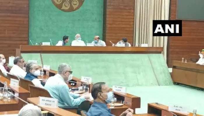 monsoon session: સર્વદળીય બેઠકમાં PM મોદીએ કહ્યુ- સરકાર વિભિન્ન મુદ્દા પર સંસદમાં સ્વસ્થ અને સાર્થક ચર્ચા માટે તૈયાર