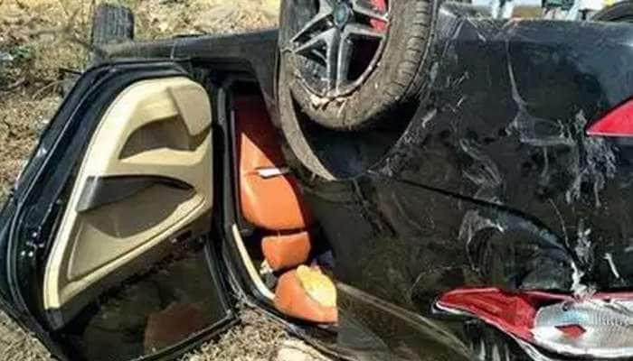 Jamnagar Accident: હાઈવે પર શ્વાન આડુ આવતા કાર પલટી જતાં બે યુવકનાકરૂણ મોત, 3 વ્યક્તિને ઇજા
