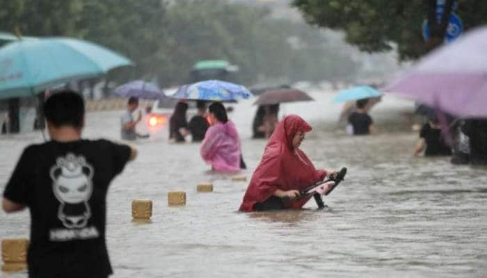 China ના Henan Province માં પૂરનો કહેર, અત્યાર સુધી 12ના મોત, 2 લાખ લોકોને રેસ્ક્યૂ કરાયા