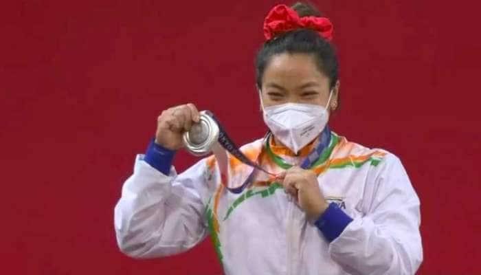 મેડલ જીતીને મીરાબાઈ ચાનૂએ ઓલિમ્પિકમાં ઈતિહાસ રચ્યો, પીએમ મોદીએ આપી શુભેચ્છાઓ