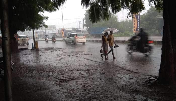 Gujarat: નરમાણા ગામમાં વાદળ ફાટ્યું, ક્યાંક જેસીબી તણાયું તો ક્યાં પુલ થયો ધરાશાયી