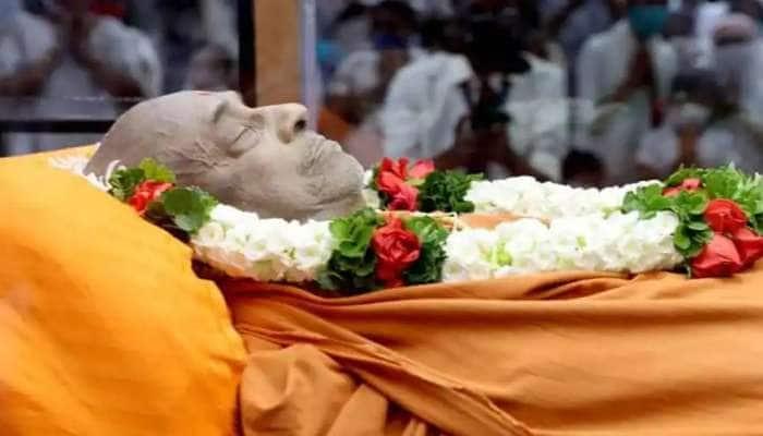 Sokhada Haridham મંદિરના નવા ગાદીપતિ કોણ બનશે? આ નામ છે ચર્ચામાં