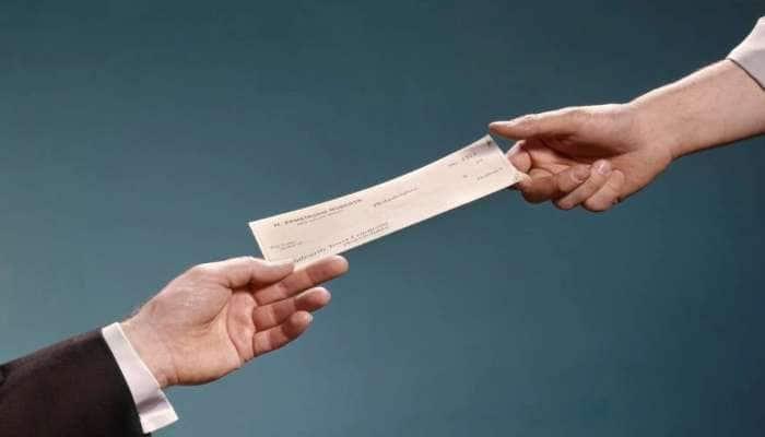 New RBI Rule: જો તમે ચેકથી પેમેન્ટ કરતા હોવ તો સાવધાન! આ નવા નિયમ વિશે ખાસ જાણો